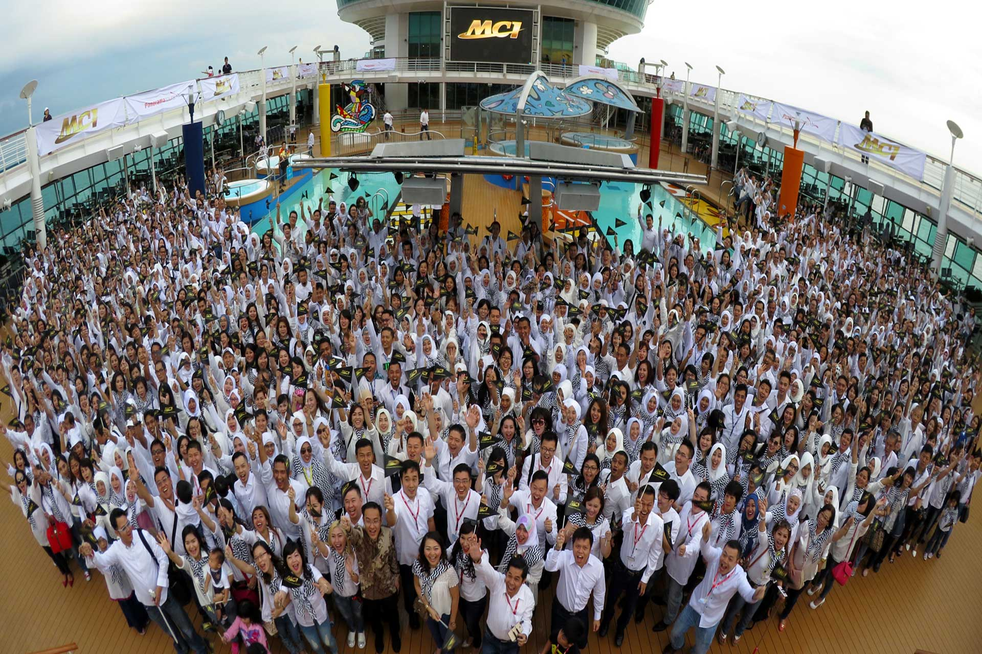 MCI Cruise Tour